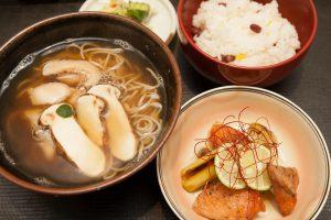 9月の「季節のお蕎麦とご飯」