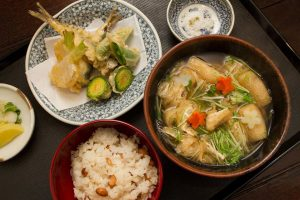 「二月の季節のお蕎麦とご飯」1350円。