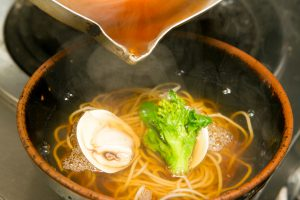 蛤と菜種のお蕎麦(「三月の季節のお蕎麦とご飯」)