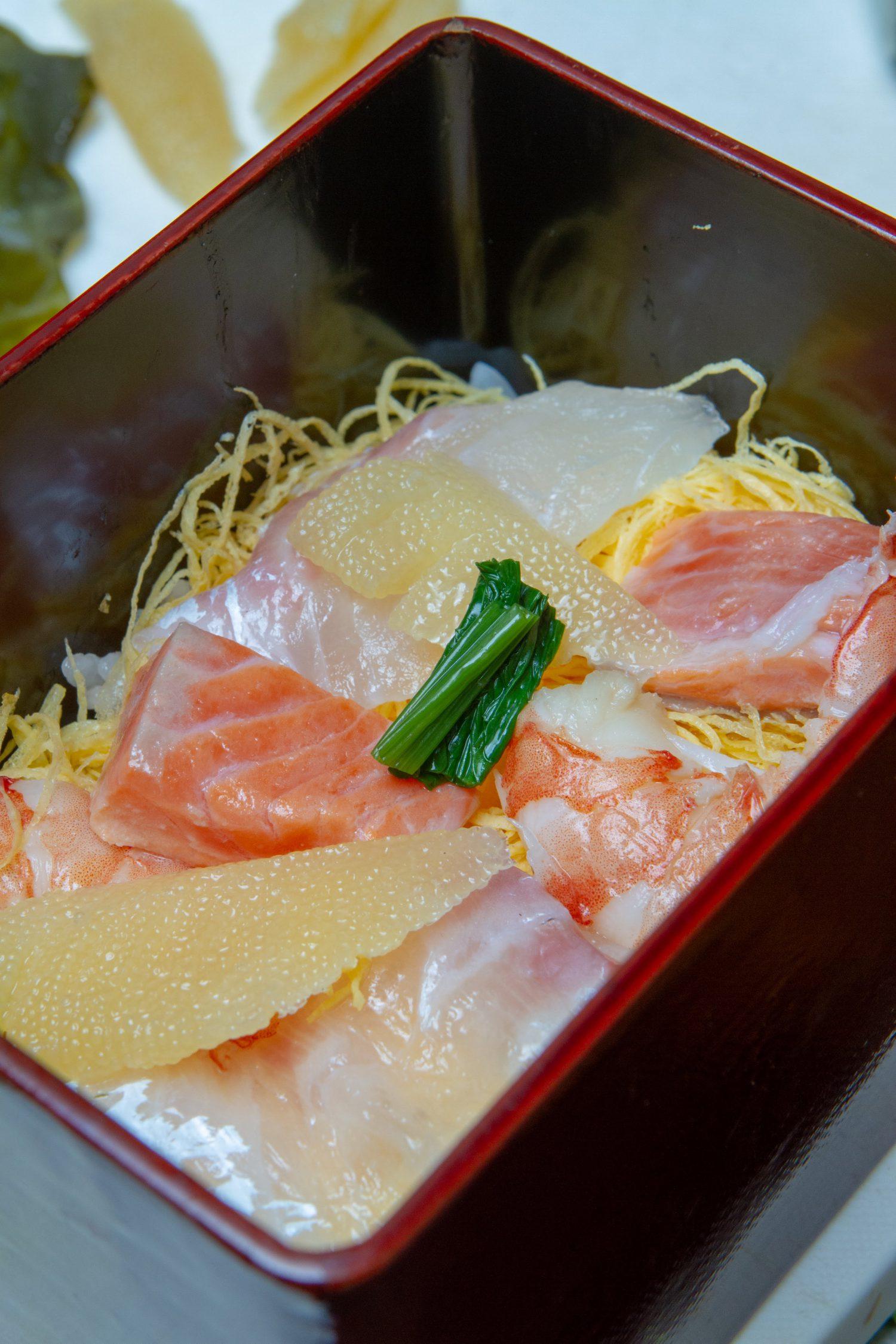 ちらし寿し, Chirashi Sushi_2